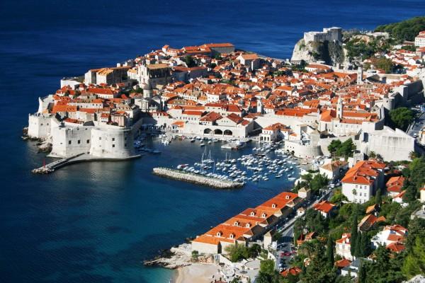 A cidade medieval de Dubrovnik mistura de tradição e modernidade