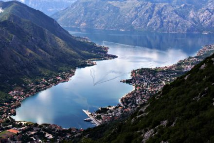 Baia de Kotor, em Montenegro
